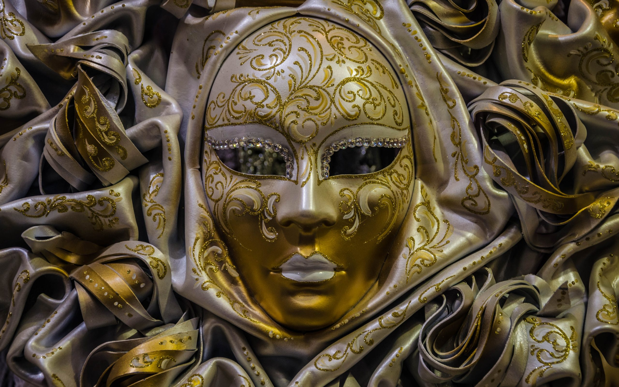 A Playful Twist On Safe Dining In Raleigh: Indulging The Mask, Or The Masque